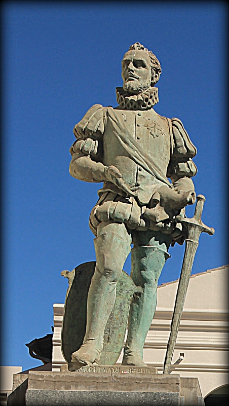 """Alex is studying explorers this year - so seeing statues of conquestidores makes this a """"field trip"""""""